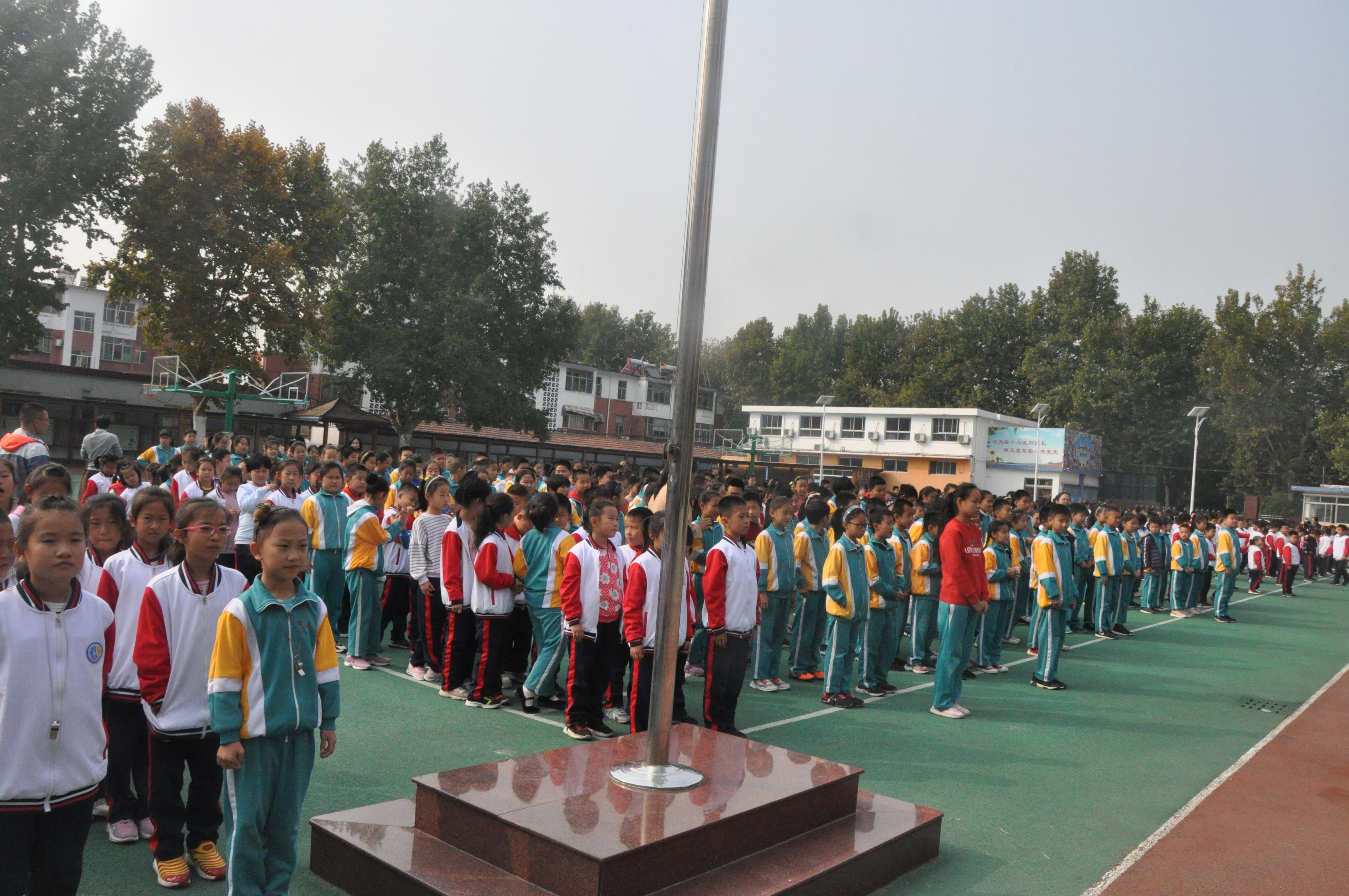 淄博市桓台县实验小学举行防震疏散演练