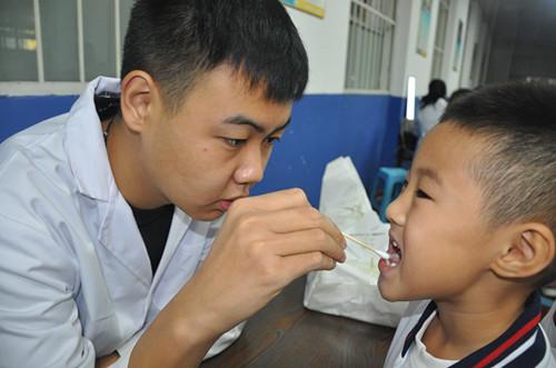 淄博市桓台县实验小学开展学生常见病和健康影响因素监测