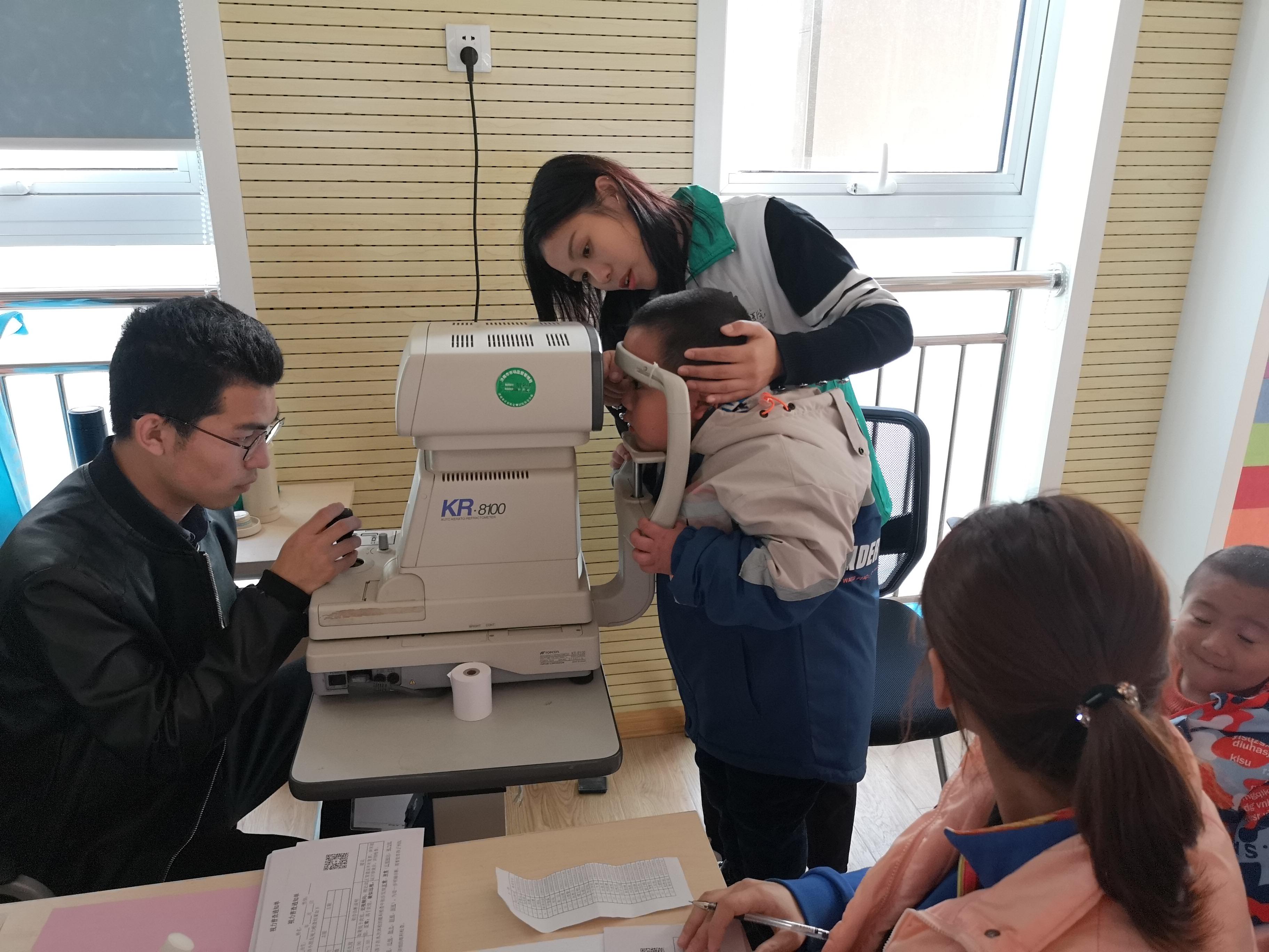 爱眼护眼  健康成长——济南市天桥区幼教中心第三实验幼儿园开展健康体验活动