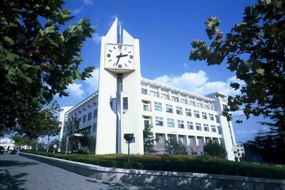青岛大学聚焦高质量发展   建设一流教师队伍