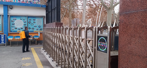 淄博市桓台县实验小学安保人员扎实做好疫情防控工作