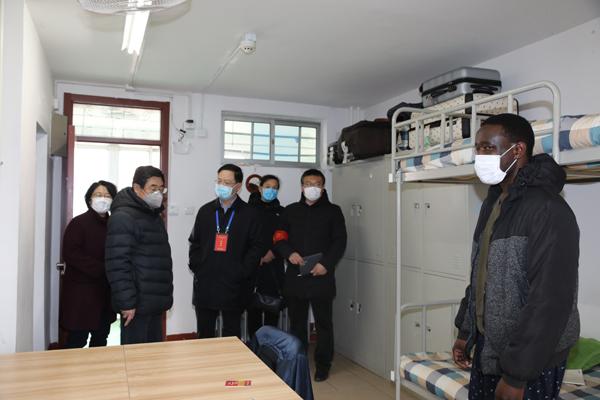 省教育厅督查组到潍坊学院督查疫情防控工作