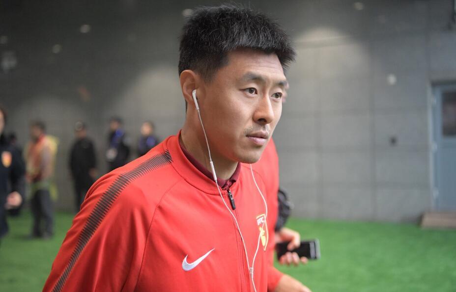 姜宁回归青岛中能只待官宣 球员希望在母队踢到退役