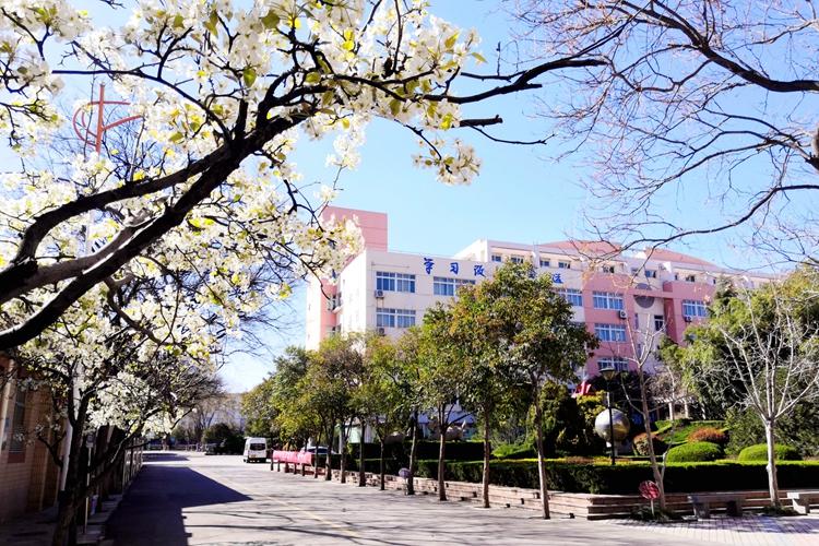 """济南中学同心战""""疫"""" 从严从细做好春季开学核验工作"""