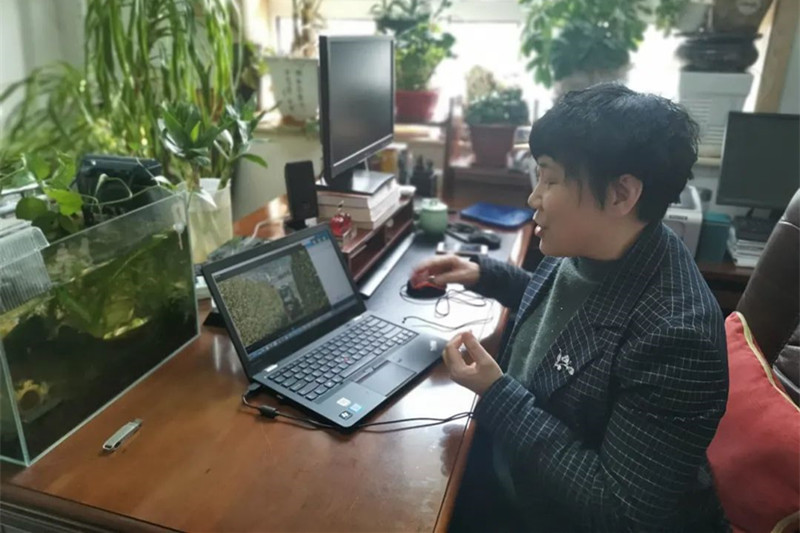 """山东农业大学:妈妈""""蹭""""网课圆了大学梦"""