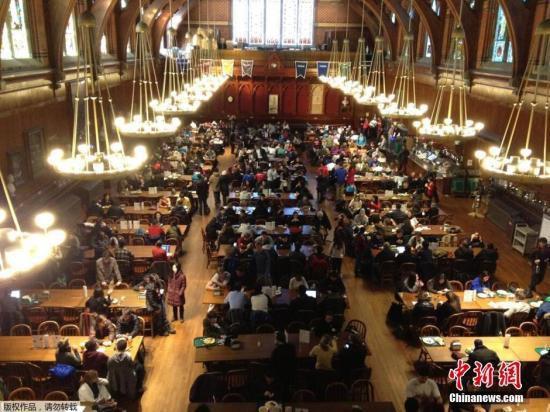 外媒:美政府同意撤销留学生签证新规 多所大学欢迎