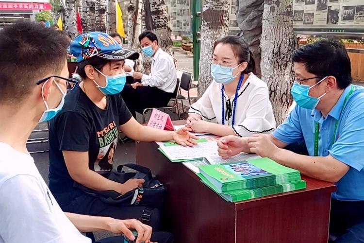济南中学招生咨询日 高考一段线上线率超60%引关注
