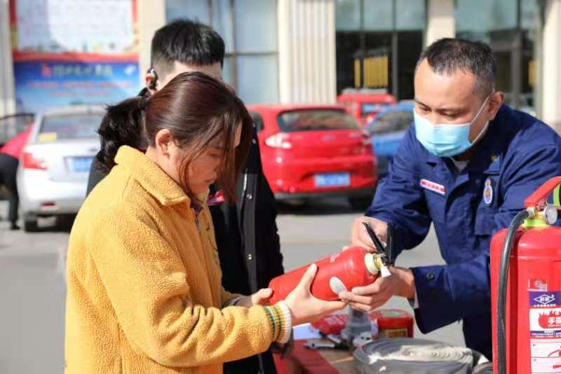 """高新区消防救援大队借力""""119""""消防宣传月 广泛开展消防产品宣传"""