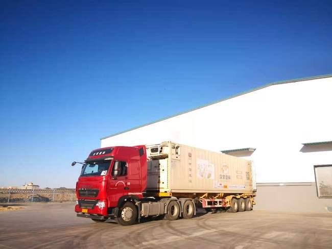蒙古国捐赠羊从内蒙古二连浩发往湖北武汉