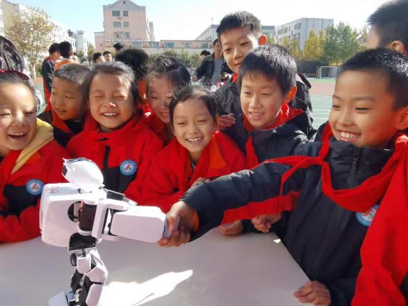 高密市第一实验小学举办2020年校园科技节