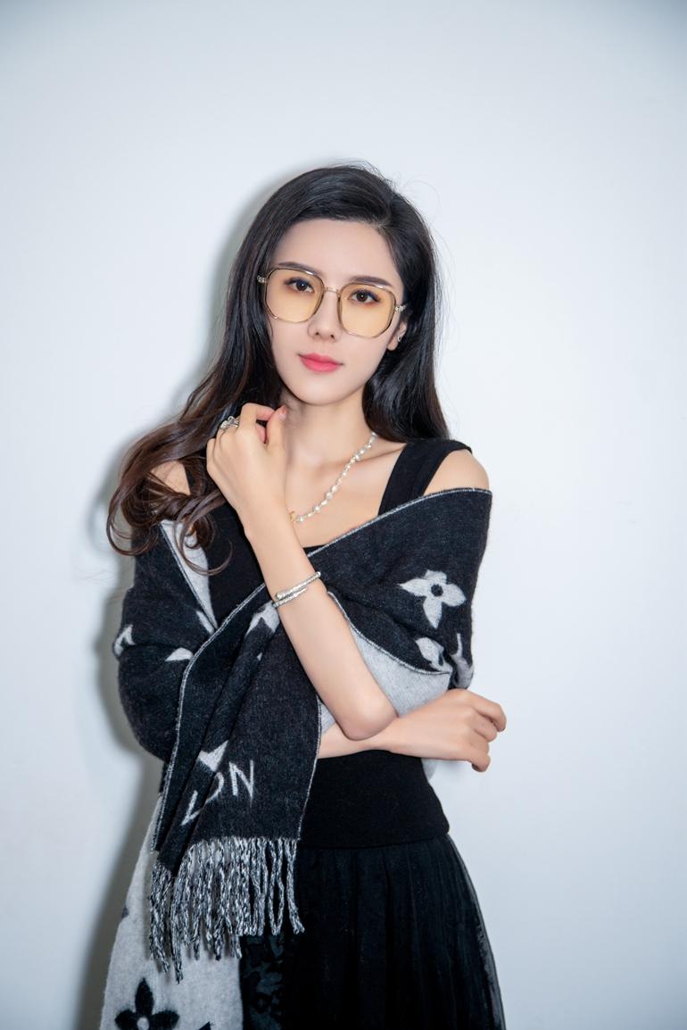 上官婉儿新歌首发《刺猬》失恋受伤的你和我(/1)