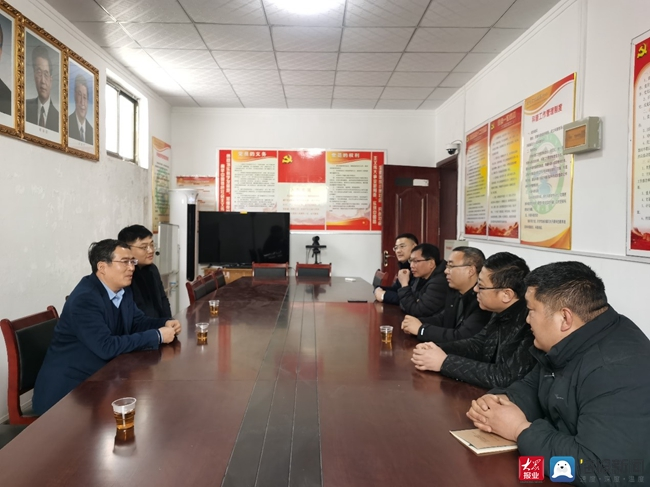 济南职业学院党委书记王春光走访慰问第一书记帮扶村