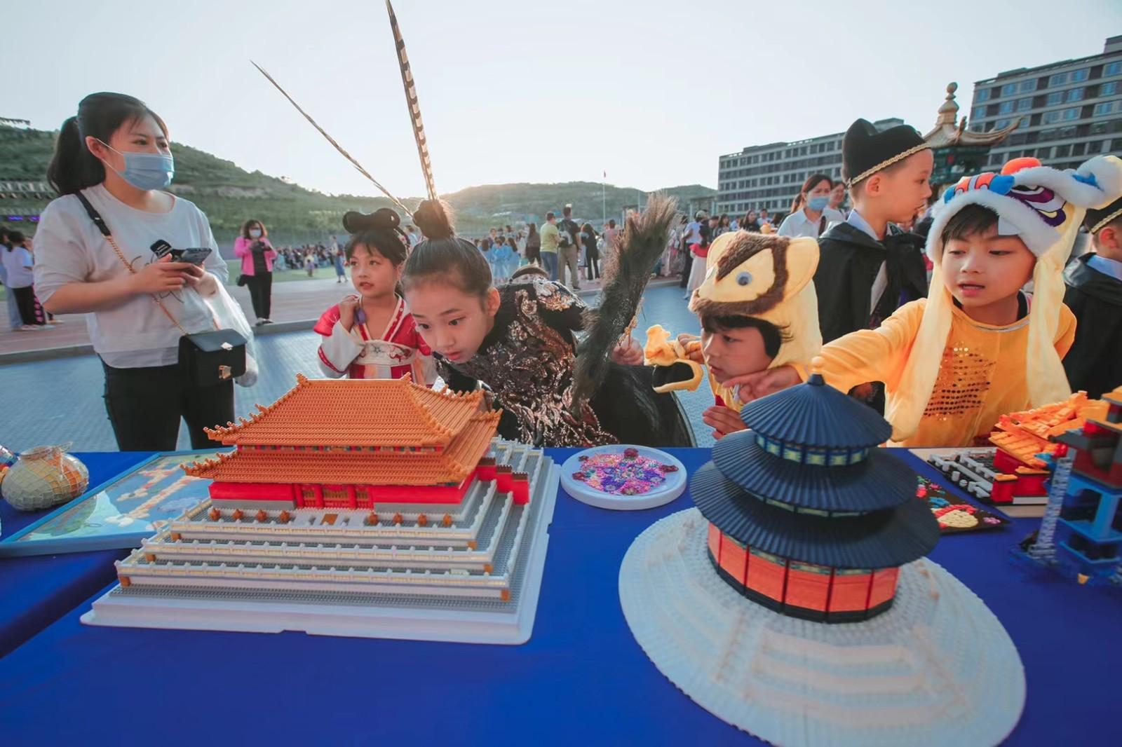 """最好的儿童节礼物!济南这所学校六一嘉年华""""上新""""故宫"""