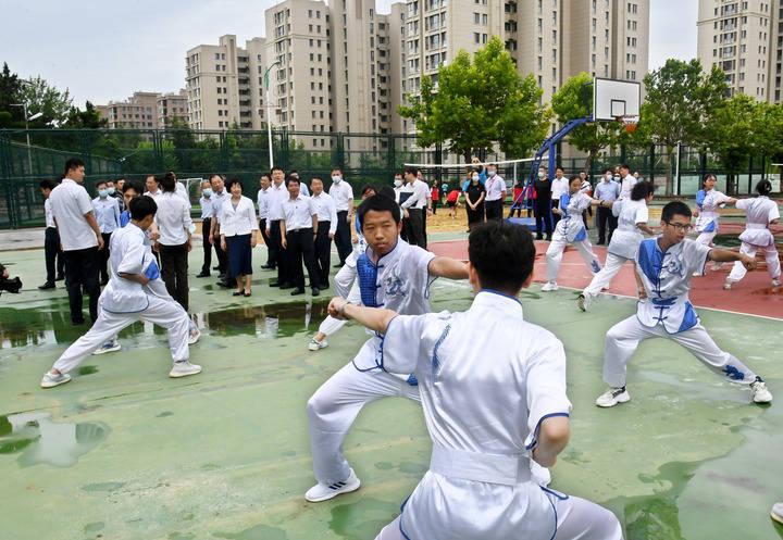 体育+X   青岛二中围绕体育搭建学生全方位发展平台