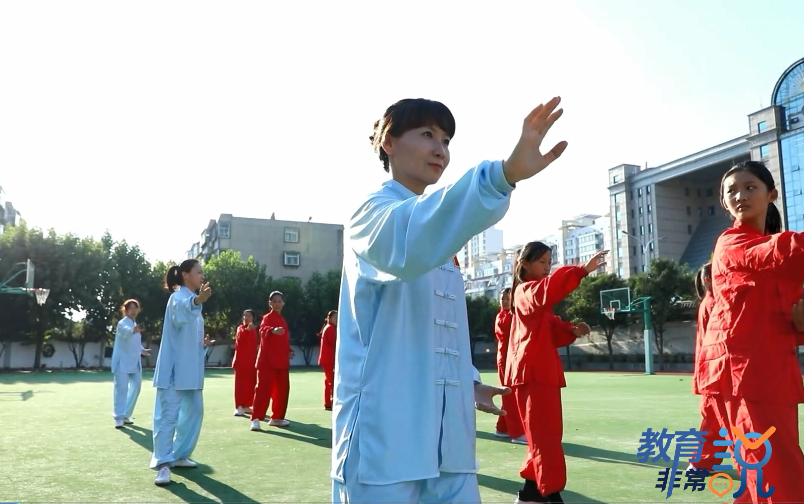 """教育非常说 (三)""""出圈""""的学校体育 奖牌只是副产品"""