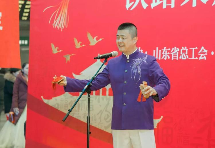 """山东:我省工会组织开展""""送文化到一线、送万福进万家""""活动"""