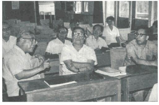 教育部在青岛举办的暑期物质结构学习班