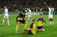 欧冠7场10球!19岁哈兰德暴力抽射灭巴黎 叫板姆巴佩
