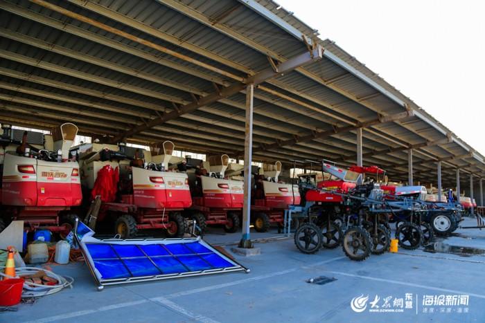 金丰农场旗下拥有100多台农机设备,用于农业生产经营