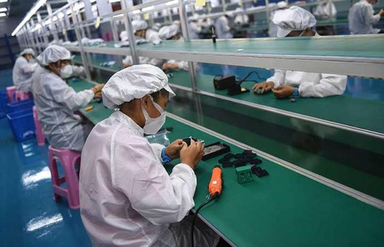 組圖(tu) 忙碌的生產線(xian)——海(hai)南(nan)一(yi)醫療物資生產企業復工復產見聞
