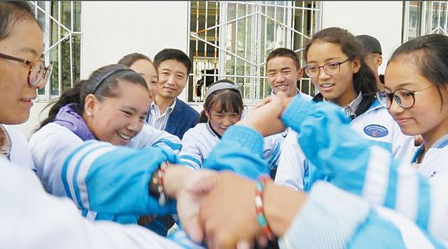 记山东援藏特级教师、日喀则市第一高中德育主任张志强