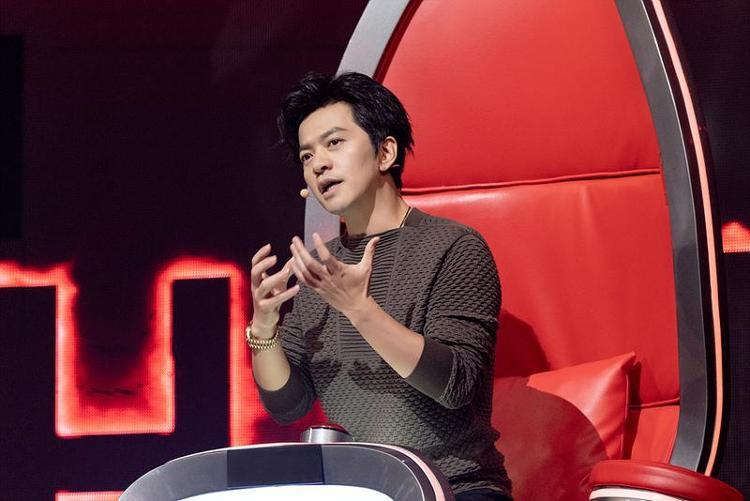 中国网|李健回归《中国好声音》 幽默段子小王子再营业