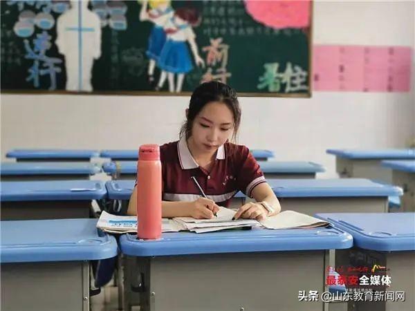 """泰安这个""""准高三""""小姑娘创新英语比赛闯进全国十强!她是这样学英语的……"""