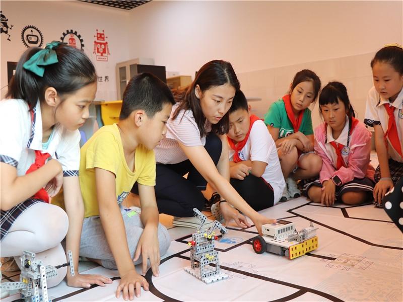 """日照市第三实验小学:""""点、线、面""""结合抓好课后服务工作"""