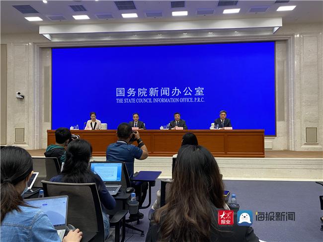 教育部回应贵州大方拖欠教师工资案:保证教师工资不低于甚至高于公务员