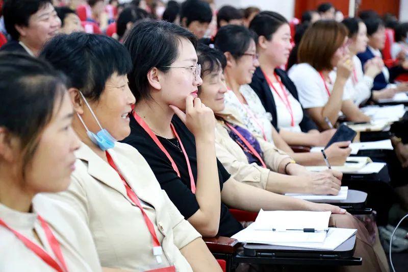 """临沂市举办全市争创""""美在农家""""""""细胞工程""""示范村基层妇联干部"""