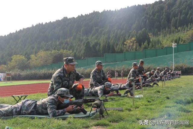 """实弹射击、单兵战术……济南外国语学校的军训比""""吃鸡""""游戏过瘾"""