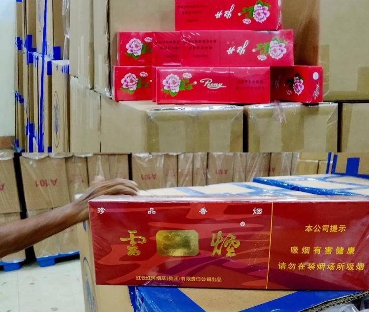 上海警方侦破一特大跨国制售假烟案:历时112天,查获100余万条假烟