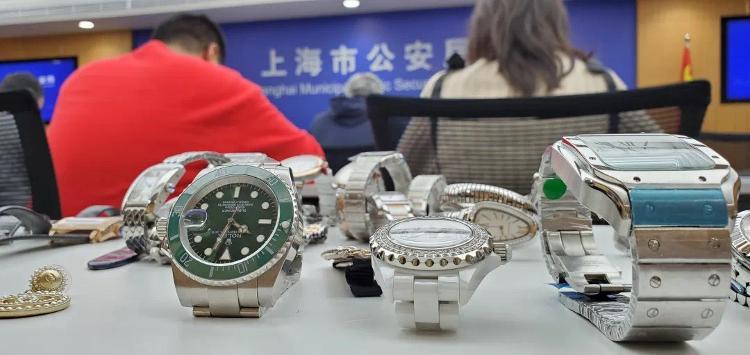 """上海首例""""网红直播带货""""售假案成功告破"""