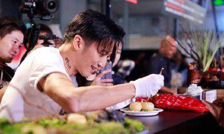 太爱烹饪被质疑不务正业 谢霆锋:在弘扬中华文化