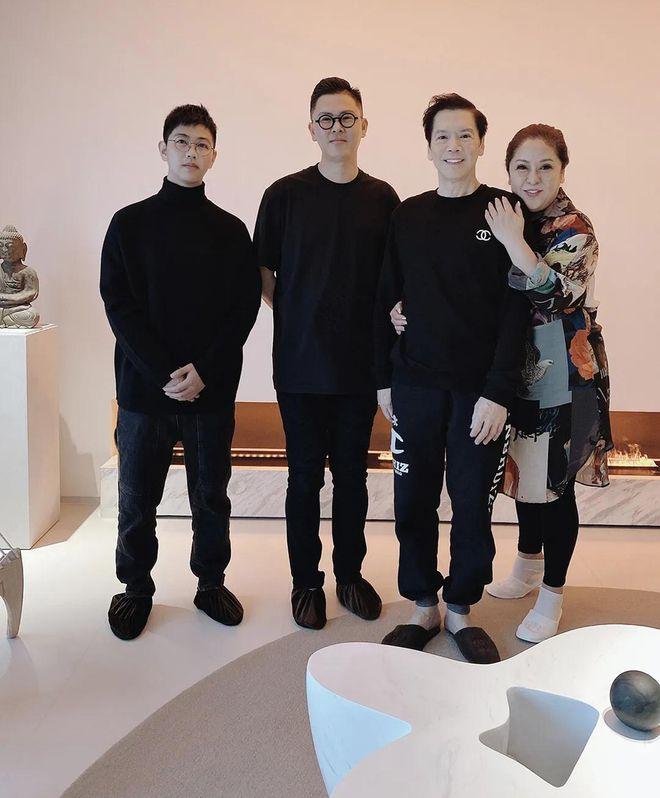 暴露于杰基 Bea Hayden 北京 大厦内部是450平 显示豪华