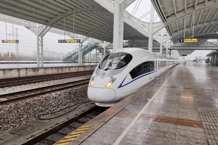 苏北首条全线时速350公里的高铁将开通,未来上海可直通盐城