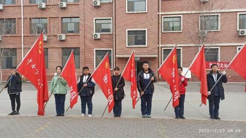 淄博六中组织学生赴青少年社会实践基地参加实践活动