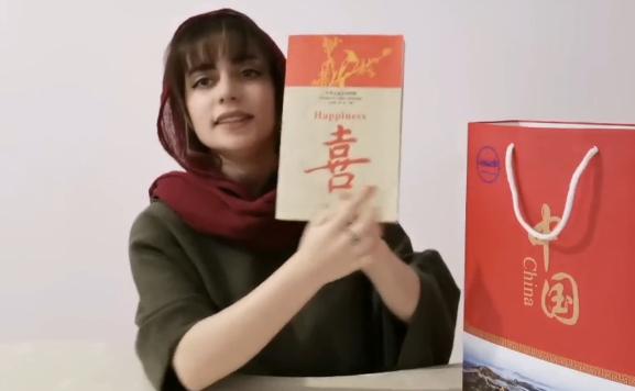 """从导游到""""网红"""":一个伊朗姑娘的中国故事"""