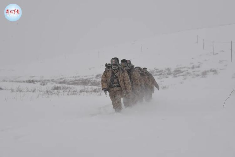 零下40℃,齐腰深的雪……致敬,边防线