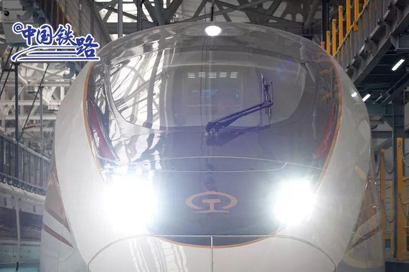 更聪明更安静!复兴号智能动车组今年在京沪高铁投运