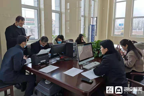 """郯城法院对辖区律师进行""""一站式诉讼服务""""专题培训"""